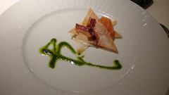 Crujiente de salmón ahumado y patata