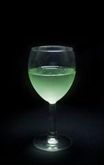 [フリー画像] 食べ物・飲料, 飲料, 食器, 酒・アルコール, コップ・カップ・グラス, 201102241700