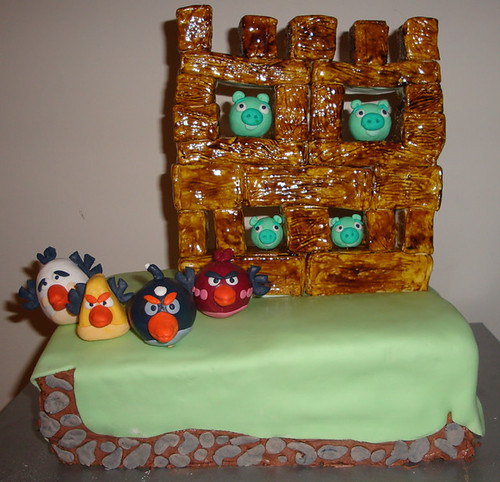 angry-birds-cake-front