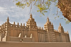 The Great Mosque of Djenne (**El-Len**) Tags: africa tower architecture mosque unesco westafrica mali 20thcentury gettyimages mudbrick worldheritage djenne mihrab sudanese toron fav10 sudanosahelian