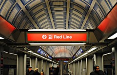 Chicago Red Line (Cragin Spring) Tags: city people urban chicago train subway midwest waiting downtown cta blueline loop rail tunnel el jackson l elevated redline chicagoil chicagosubway
