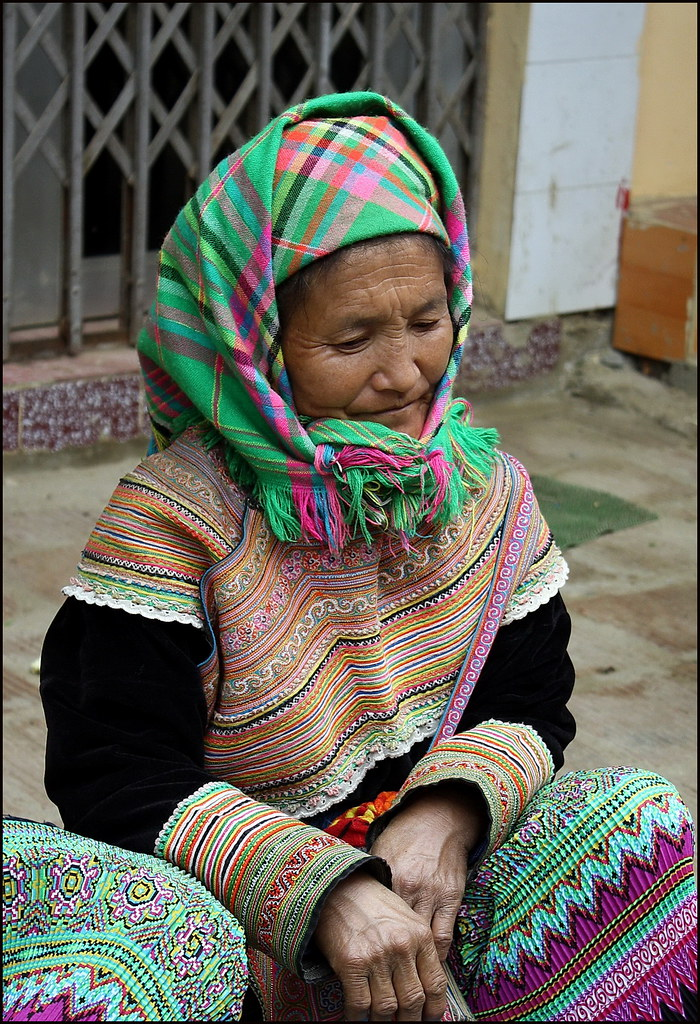 Bac Ha, Flower Hmong woman
