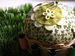 Jardim (Carol Grilo • FofysFactory®) Tags: flores flower grass handmade crafts florianópolis flor felt carolgrilo grama pincushion feltro 手作り tezukuri fofysfactory feitoamao alfineteiro