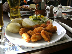 Scampi meal in Bannockburn, Scotland (friskierisky) Tags: food woman man museum cat lunch scotland globe clocktower staircase meal oldcar information imp balloch chipshop scampi bannockburn publunch coalfire varietypics october2010