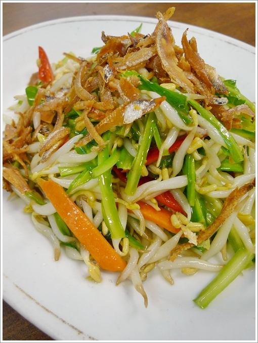 Qing Loong Vegetable with Bean Sprouts