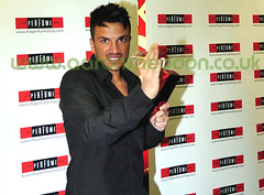 _DSC4918 Peter Andre brandishes his new perfume - Mysterious Girl (Aaron Sneddon Photography & Aerial Photographer) Tags: music brandishing peterandre mysteriousgirl