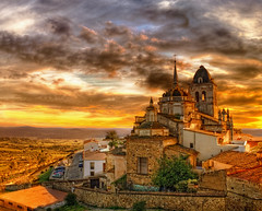 SPAIN (Z Snchez) Tags: travel viaje sunset sky castle canon atardecer photography eos photo spain europe day cloudy cielo fortaleza castelo chateau fortress castillo hdr jerez templar zu extremadura jerezdeloscaballeros templario canoneos1000d saariysqualitypictures