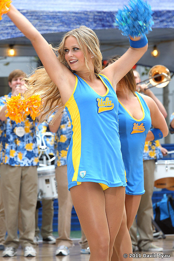 UCLA Dance Team 046