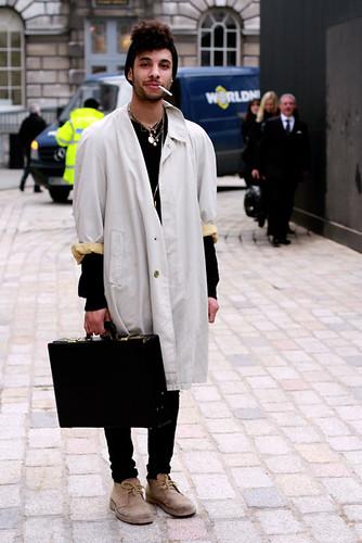 Street Style LONDON FASHION WEEK A/W 11