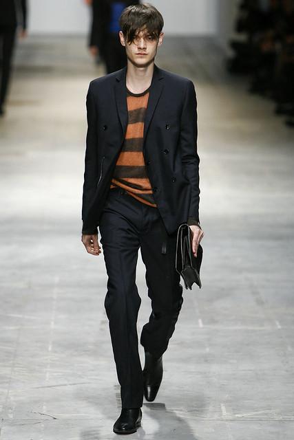 Douglas Neitzke3260_FW11_Milan_Costume National(VOGUEcom)