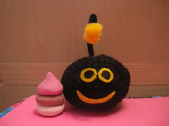 Amigurumi Furdiburb with Poop for Laura <3 (AmiTownCreatures) Tags: black game cute yellow alien plush poop kawaii amigurumi furdiburb