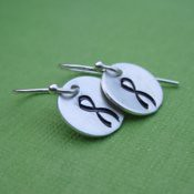 Tiny Ribbon Earrings