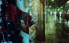 (Marine - D) Tags: street color film colors shop night lights football magasin couleurs lisboa lisbon suit string lightening rue nuit ronaldo couleur guirlande maillot vitrine lisbonne paved pav pellicule 24x36 pave faity lumineuse showcse