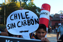 Chile por energas limpias (urbanbox.cl) Tags: chile no greenpeace protesta obama fuera energias limpias nueclear
