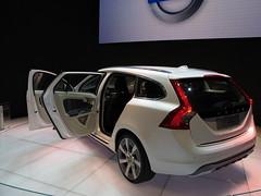Volvo V60 Plug-in hybrid concept
