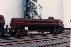 VTQF 401 N Swan Hill 3/1993 (booksvic) Tags: tank railway vr wagons vline