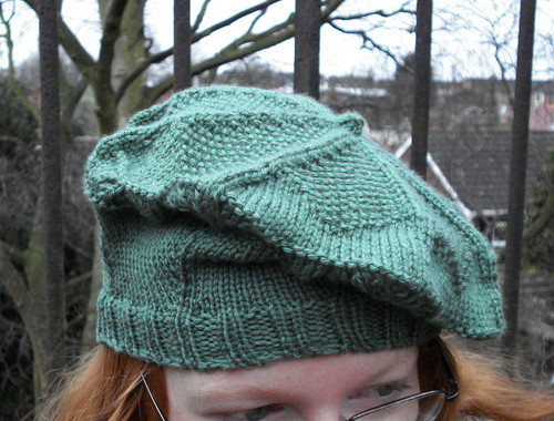 Russell Square London tube tam beret knitting pattern hat