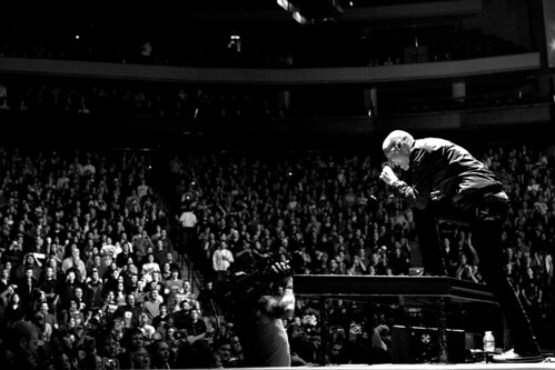 Chester Bennington And Crowd