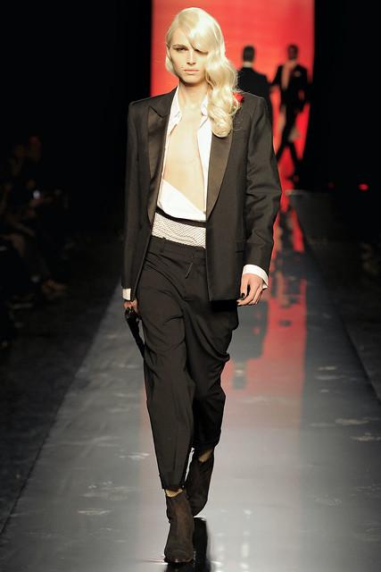Andrej Pejic3092_FW11_Paris_Jean Paul Gaultier(VOGUEcom)