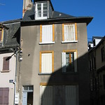 Blue, shadow and light in Rodez thumbnail