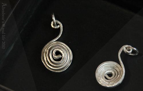 "Silver pendant ""Shy Vs Curious"""