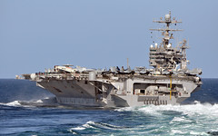 USS Abraham Lincoln (Official U.S. Navy Imagery) Tags: ship navy armada sailor aircraftcarrier usnavy carrier abrahamlincoln underway marineros us5thfleet