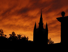 remember the warm long summer evenings? Here you see the leaning Oude Kerk (Old Church) as a silhouette in the burning sky (kelsk) Tags: summer holland silhouette evening nederland thenetherlands delft zomer avond oldchurch oudekerk zuidholland zomeravond avondlucht mygearandme mygearandmepremium ringexcellence