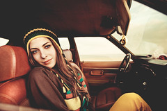 (Ibai Acevedo) Tags: cortina girl car portraits eyes chica playa ojos coche mirada abracadabra hy