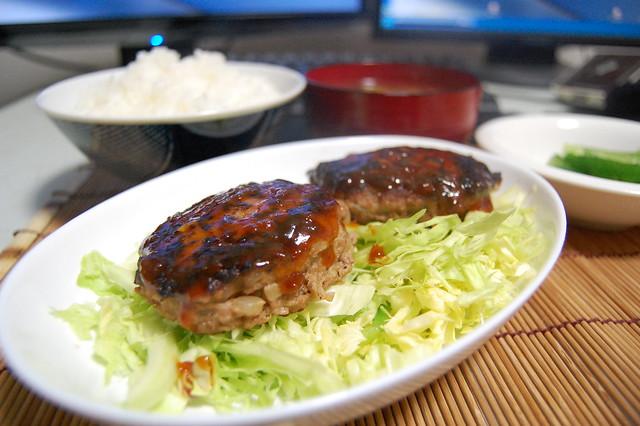 牛挽肉をいただいたのでハンバーグにしました! #jisui
