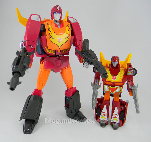 Transformers Hot Rod Masterpiece - modo robot vs G1