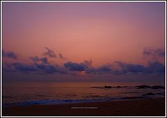 Sunrise (Anindo Dey) Tags: longexposure india beach sunrise nintendo olympus chennai tamilnadu dey kovalam bayofbengal anindo kovalambeach e520 olympuse520 mygearandme oniondo anindodey