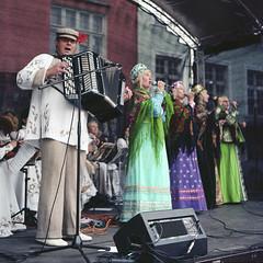 . (_Alexei) Tags: street 120 6x6 tlr film analog focus tallinn estonia minolta kodak folk candid singer pro medium format mf manual russian eesti accordeon 160 f35 autocord rokkor ektacolor