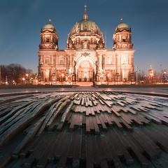 Berliner Dom (96dpi) Tags: longexposure church dom brunnen kirche dry bluehour berliner berlinerdom trocken lustgarten blaue blauestunde stunde