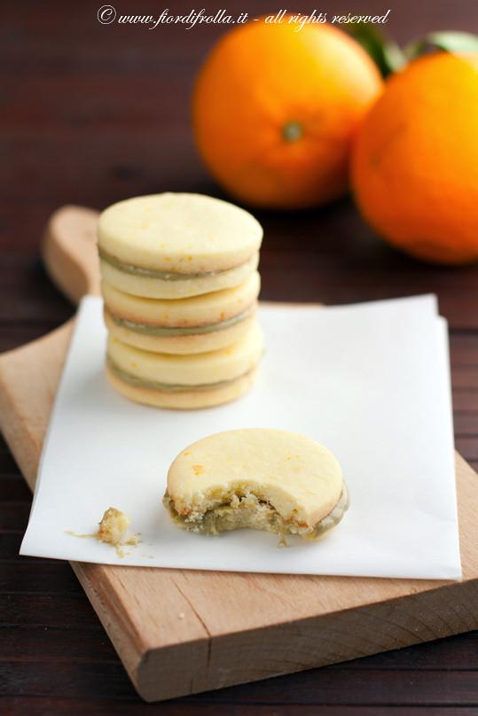 Biscotti al burro salato e arancia con crema di pistacchi di Bronte