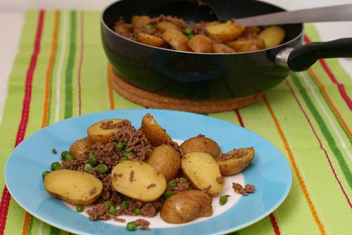 Kartoffel-Hack-Pfanne mit Erbsen