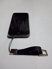 iPhoneにストラップが付いた!