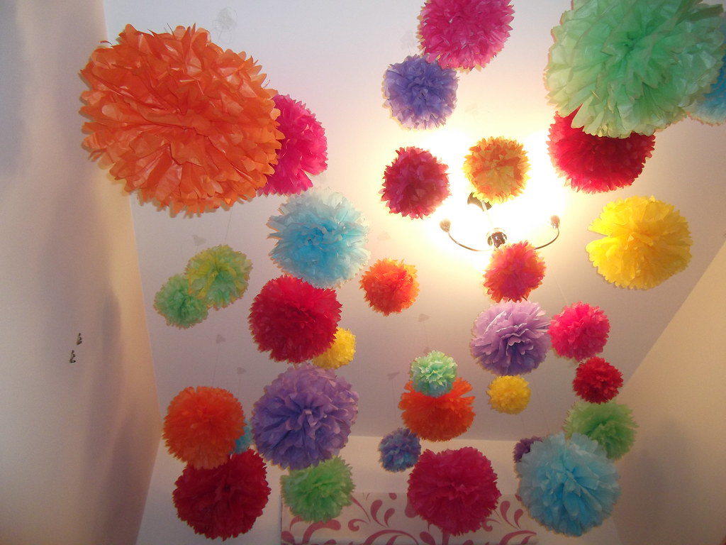 Pom Poms to decorate Nursery!
