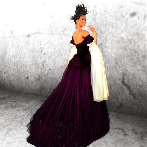 Moolto Hunt: *EC* Saiyge Gown ~ violet/white