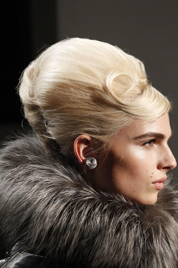 Andrej Pejic3195_FW11_Parris_Jean Paul Gaultier Ready-To-Wear(VOGUEcom)