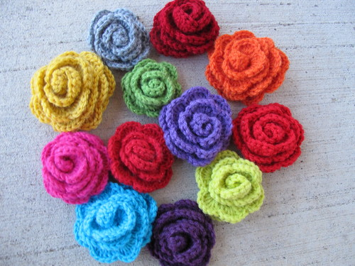 Crocheted roses - party favors for Frida party
