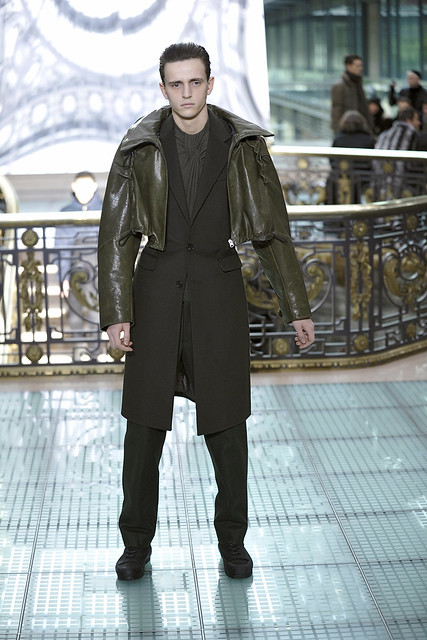 Alex Dunstan3190_FW11_Paris_Wooyoungmi(Simply Male Modelsl)