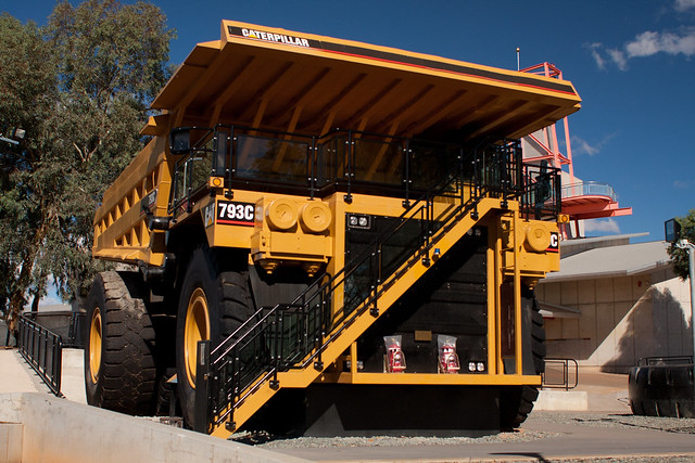 Caterpillar 793C on display