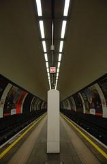 Clapham Common Tube Station (Frazer176) Tags: tube londonunderground northernline claphamcommontubestation