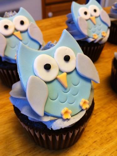 owl baby shower cupcake
