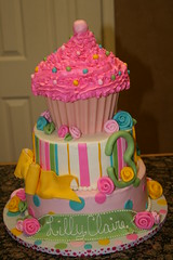 "Large Cupcake cake for Lilly Claire • <a style=""font-size:0.8em;"" href=""http://www.flickr.com/photos/60584691@N02/5592740502/"" target=""_blank"">View on Flickr</a>"