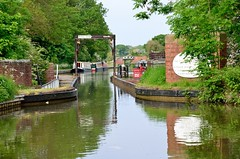 2016 05 28 124 Stratford upon Avon Canal (Mark Baker.) Tags: 2016 baker eu europe mark may aqueduct avon britain british canal cast day england english european gb great iron kingdom outdoor photo photograph picsmark rural spring stratford uk union united upon warwickshire wawen wharf wootton