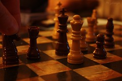 make the white queen move (mr_johnnya) Tags: yes chess queen existinglight jonanderson whitequeen 28365 chrissquire makethewhitequeenmove iveseenallgoodpeople