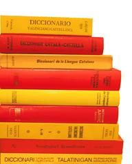 LTInternationalBookpile en català
