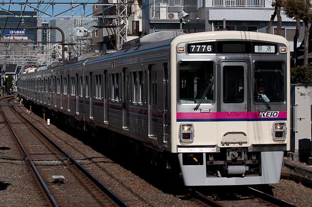 京王電鉄7000系7026F 回送
