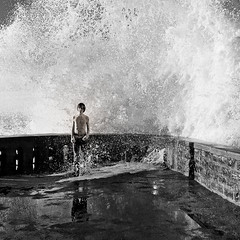 *EXPLORE* Under the Wave bawww (Kvinn Photographie) Tags: boy square blackwhite child noiretblanc wave washed vague enfant biarritz garon carr tremp nivekphotographie kevinnphotographie